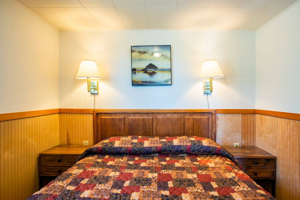 Cabin #22 – 1 Bed, Full Kitchen