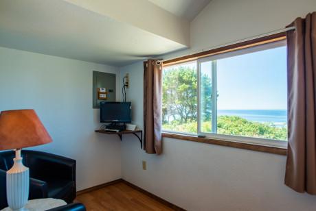 Oceanside Ocean Front Cabins - Cabin interiors - View